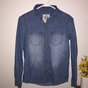 SO Chambray Top size Small